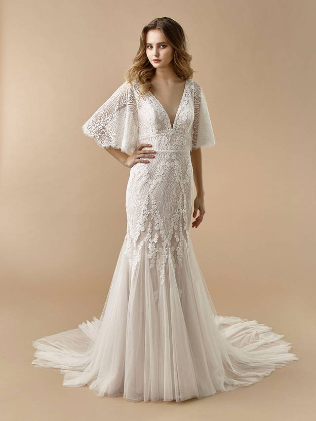 Code: Enzoani Beautiful BT20-05 Perfect for the boho bride. This full-length mermaid gown is gorgeous at every turn with its fluttering, light lace sleeves and soft tulle skirt. A deep V-back adds a sexy, modern touch that is sure to captivate your guests. Covered buttons and an invisible zipper add final touches to this lovely look.Colour Options: Ivory/Latte  OR  Ivory/Ivory